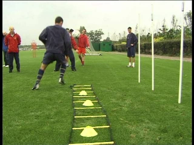Arsenal FC – SAQ training with Fast Foot Ladder Part 1 (Speed, Agility, Quickness (SAQ®)