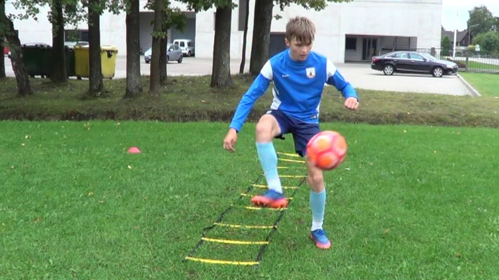 Individual Football training • Agility, Coordination, Ball control, Heading (HD)