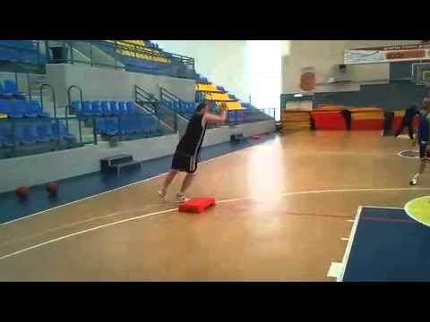 אימונים אישיים בכדורסל – עבודת רגלים כוח מתפרץ נגדי בהגנה – Basketball Agility Drills
